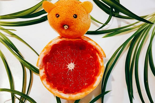 Home Cooking Recipe: Grapefruit bear on the grass!