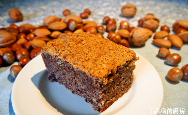 Home Cooking Recipe: Hazelnut cake - traditional practice in Piedmont, Italy