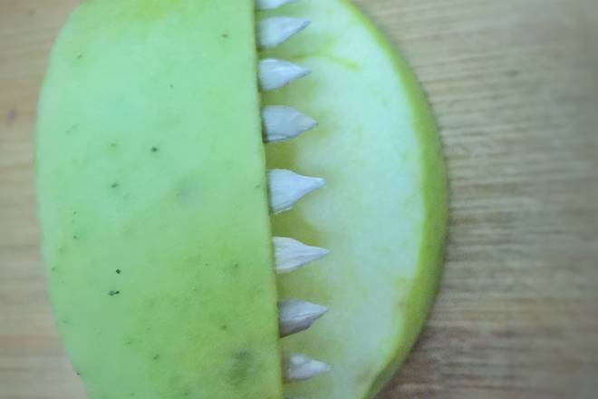 Home Cooking Recipe: Inserted melon seeds, the upper row of teeth has