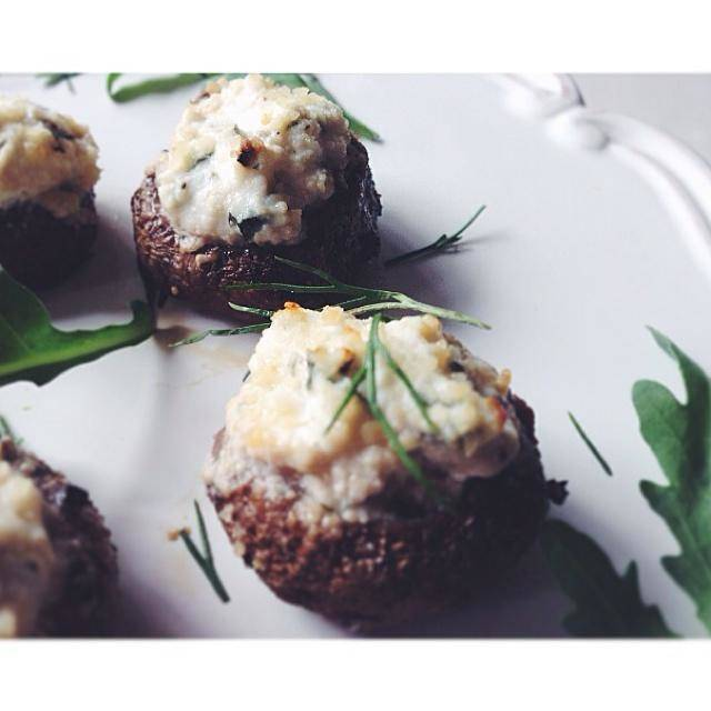 Home Cooking Recipe: [Jamie Oliver] grilled ricotta stuffed mushrooms