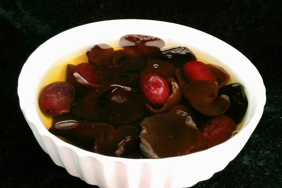 Home Cooking Recipe: Jujube fungus soup