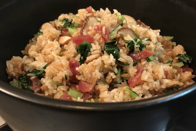 Home Cooking Recipe: Light tofu soup or seaweed soup and good taste of sausage sausage fried rice is perfect!