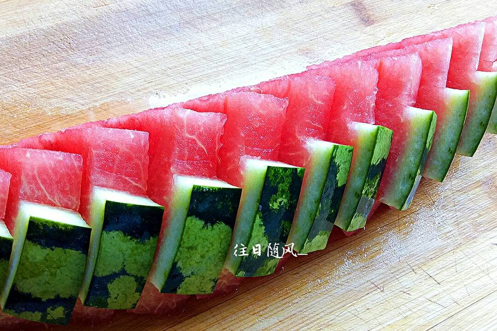 Home Cooking Recipe: New method of cutting watermelon