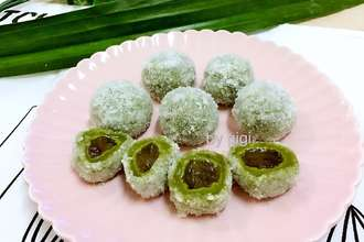 Nyonya coconut palm shredded ball ondeh ondeh