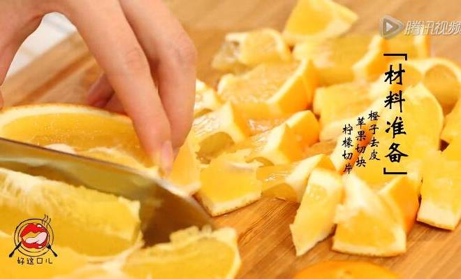 Home Cooking Recipe: One orange is cut directly, another orange is peeled and cut, apple is diced, and lemon is sliced;