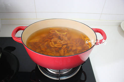 Home Cooking Recipe: Open fire, boil over high heat, then cover the lid and cook for 30 minutes.