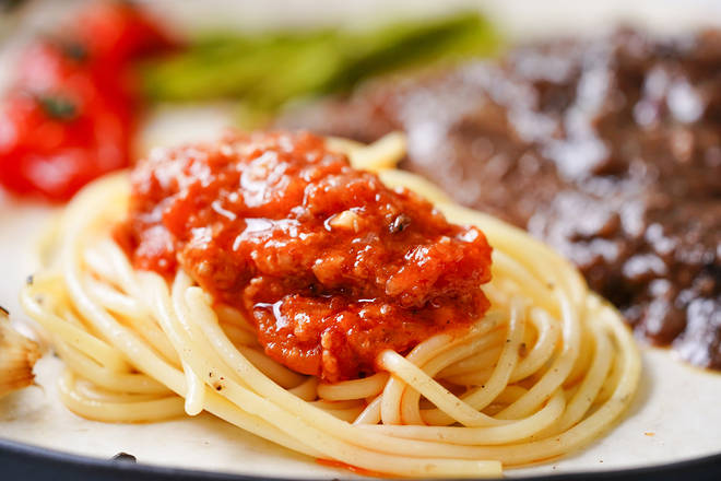 Home Cooking Recipe: Paste the pasta with a pasta sauce.