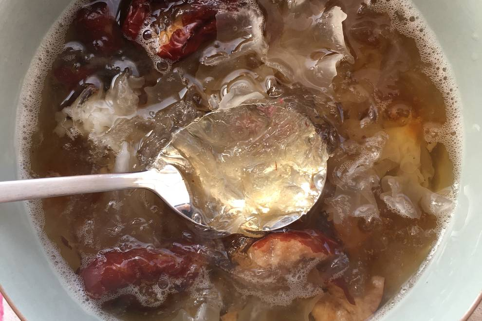 Home Cooking Recipe: Peach gum white fungus red jujube bird's nest