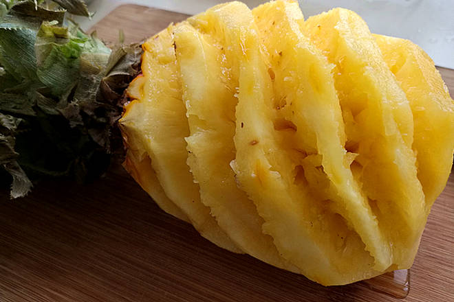 Home Cooking Recipe: Pineapple peeling and washing