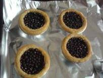 Home Cooking Recipe: Preheat the oven to 196 degrees, put the tarts in the middle layer, and bake for 12 minutes.