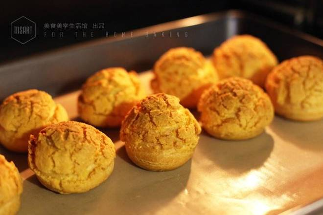 Home Cooking Recipe: Preheat the oven to 210 ° C, fire 180 ° C, put it into the oven, bake for 20 minutes into a puff ball;