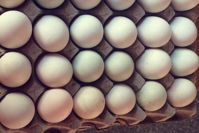 Home Cooking Recipe: Raw salted duck eggs (just 30 in one plate)