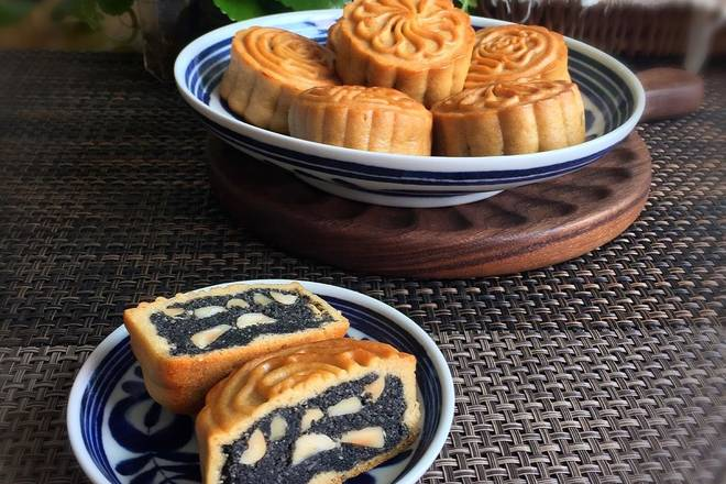 Home Cooking Recipe: Return to the moon cake for 3 days, full of sesame seeds!