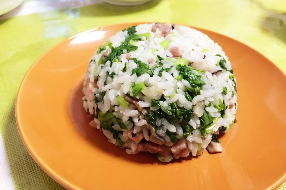 Home Cooking Recipe: Sausage, bacon, mushrooms, green rice