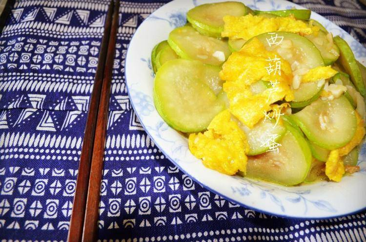 Home Cooking Recipe: Scrambled eggs with zucchini