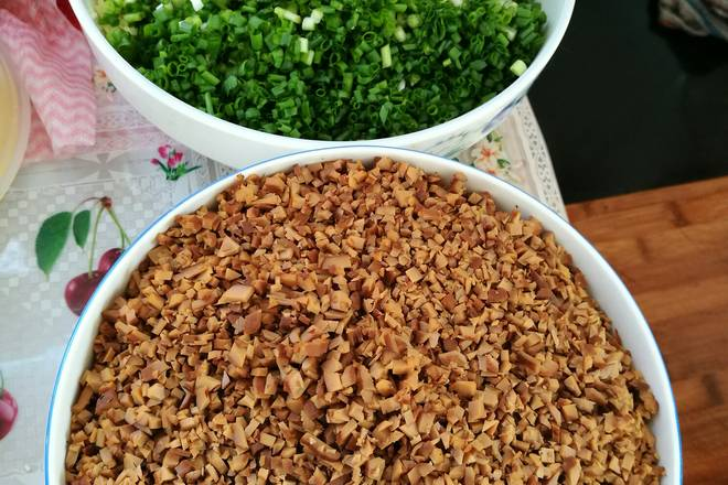 Home Cooking Recipe: Shallot, ginger, fragrant dried chopped into foam