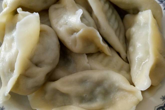 Home Cooking Recipe: Start and noodles, if you like to eat dumplings harder, you can add an egg inside, the advantage is that cooked dumplings will not stick together. If you like to eat soft skin, then you don't need eggs, and then you can put your face and softness!