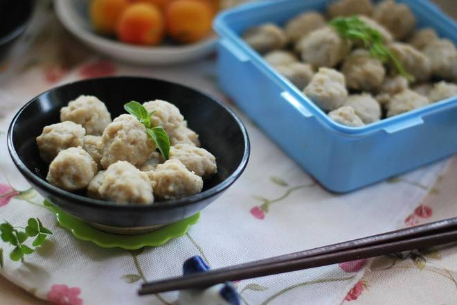 Home Cooking Recipe: The delicious fish meatballs are ready, and you can put them in the crisper when you can't finish them.