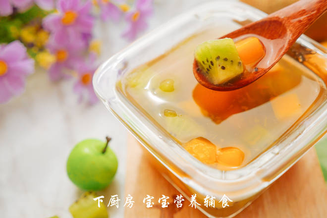 Home Cooking Recipe: The glutinous rice noodles are slightly cooled, and then the mango pieces and kiwifruit pieces can be added to the baby.