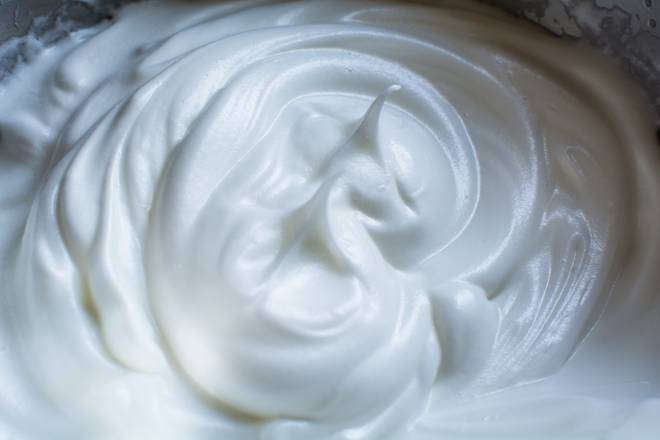 Home Cooking Recipe: The protein is added to the fine sugar three times to the hard foaming.