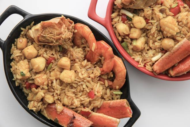Home Cooking Recipe: Then put the rice and seafood together in a bowl