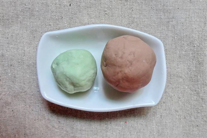 Home Cooking Recipe: Thirty grams of cocoa plus milk water is good, twenty grams plus green glutinous rice balls.