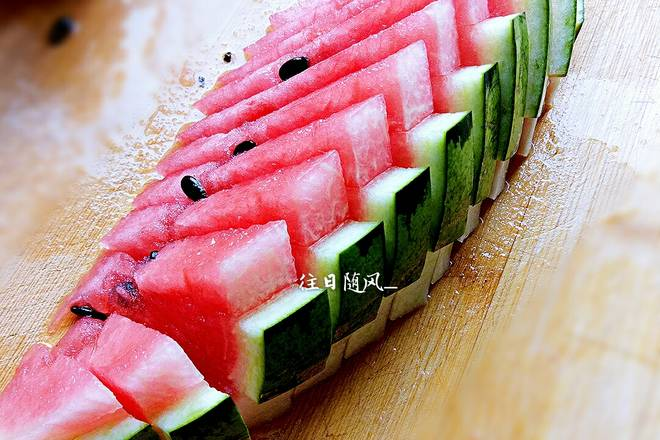 Home Cooking Recipe: This is cut with half a watermelon