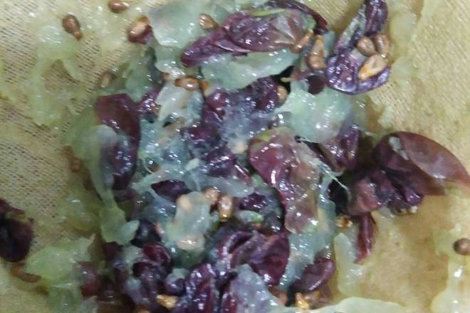 Home Cooking Recipe: This is the squeezed grape skin seed, etc., not very clean!