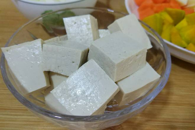 Home Cooking Recipe: Tofu cut into small pieces