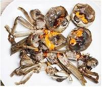 Home Cooking Recipe: Wash the crab and remove the contents such as heart and lungs into small pieces