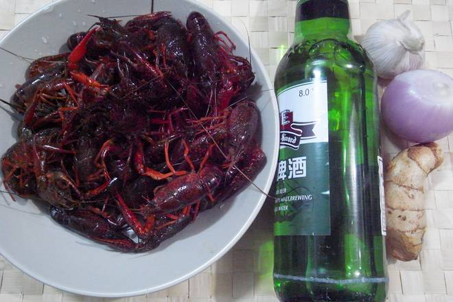 Home Cooking Recipe: Wash the crayfish, if you are afraid of dirty, wash it a little, you can go to the end.