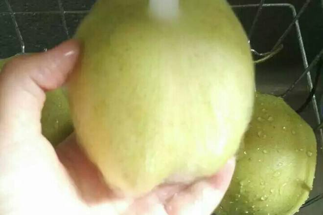 Home Cooking Recipe: Wash the pears
