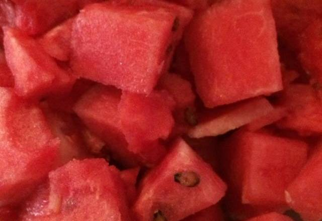Home Cooking Recipe: Wash the watermelon and put it in the refrigerator
