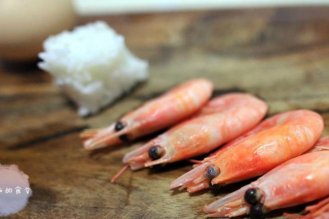 Home Cooking Recipe: We use Arctic shrimp, which is cooked in itself.