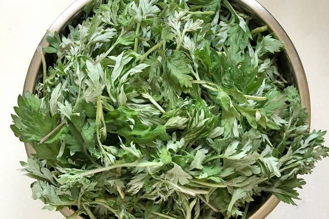 Home Cooking Recipe: Wormwood removes old roots and takes young leaves 120g
