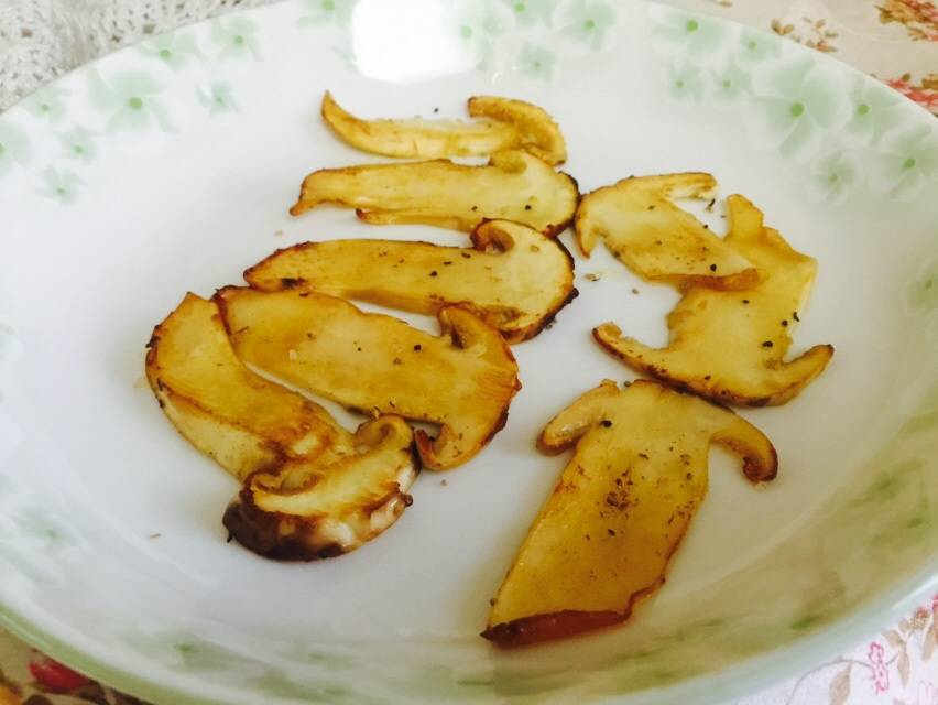 Home Cooking Recipe: Yellow fried pine mushroom